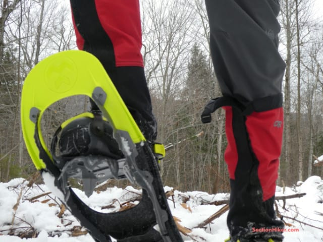The aggressive front crampon is hinged, providing maximum penetration on uneven terrain.